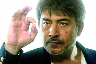 الممثل عابد فهد يصرح: لا صحة لكل ما نشر عن إحتجازي في المطار ولكم التفاصيل
