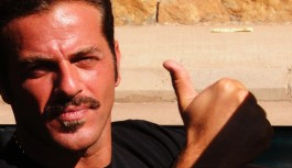بالفيديو:  يوسف الخال يعد محبيه