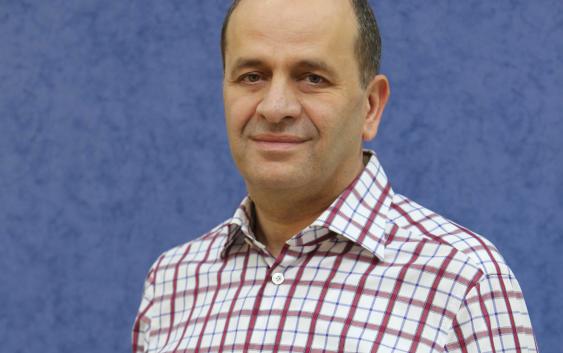 في ظل الحرب المعلنة بين المحطات اللبنانية، الشيخ بيار الضاهر في أجرأ حديث إذاعي له