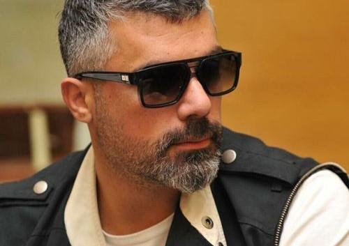 فارس كرم…حزين وفرقته في حداد