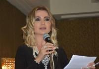 الإعلامية ليليان الناعسي : انا بعيدة عن السياسة ومنى واصف اربكتني