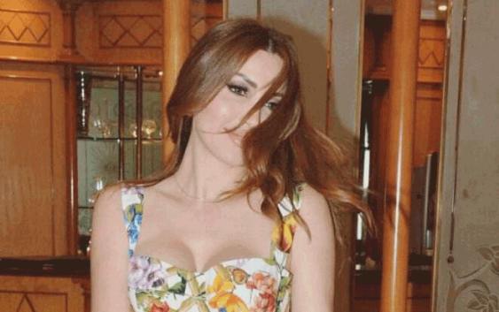 نسرين طافش تتسلم جائزة سعاد حسني في القاهرة