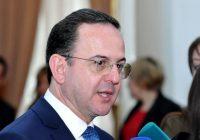 وزير السياحة في رسالة للفنانين والسياسيين والإعلاميين
