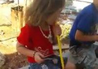 شي تك تك شي تيعا| بالفيديو- اطفال يدخنون النارجيلة